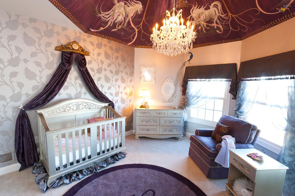 Превратить детскую комнату в восточную сказку можно, закрепив ткань по периметру потолка и собрав ее в центре