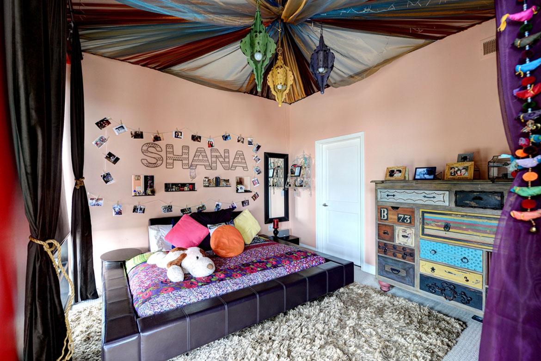 Богемный и персидский стиль потолка понравится девочке-подростку