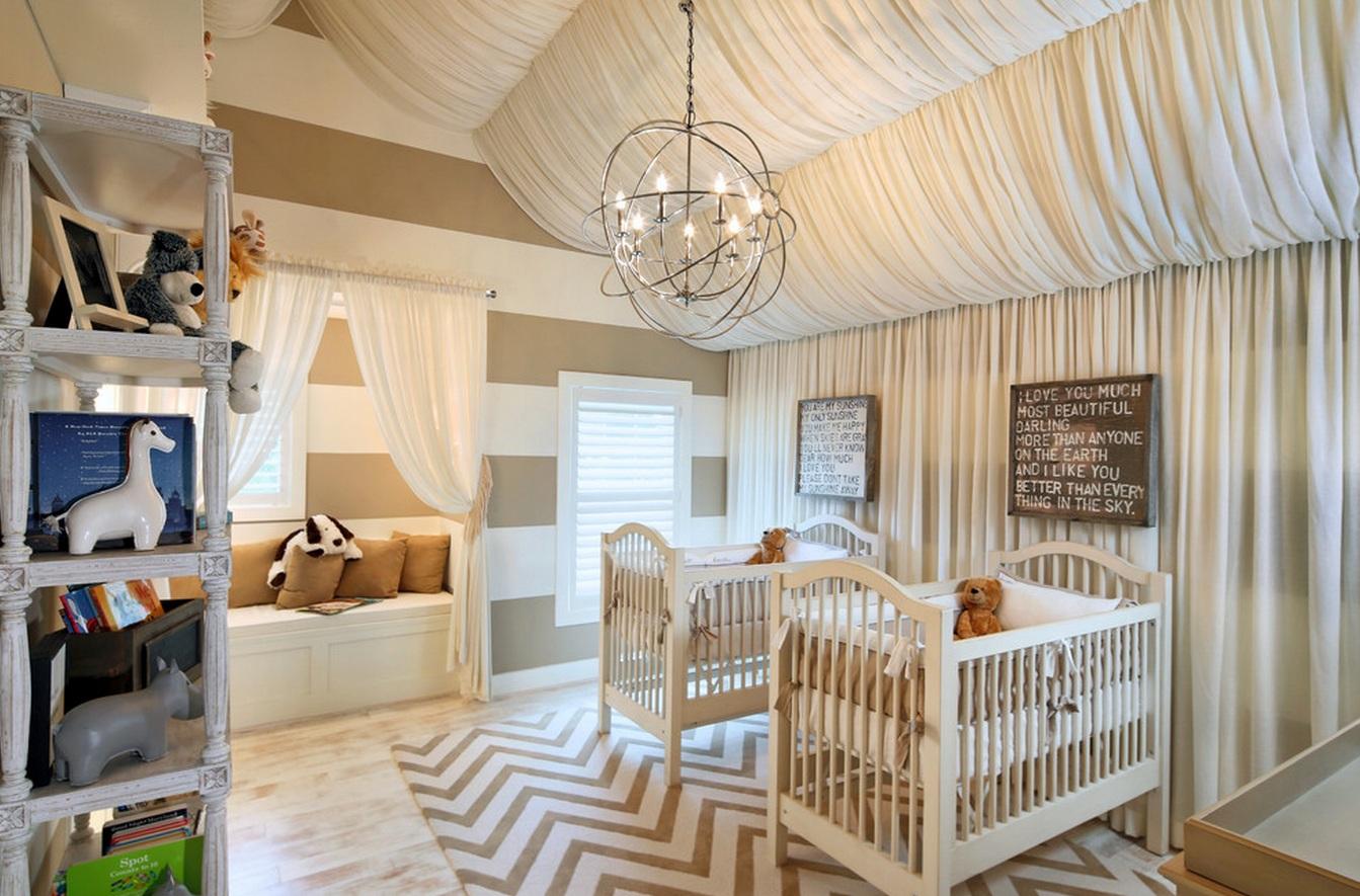 Можно создать красивый волнистый навес с помощью легкой ткани – такой потолок создаст волшебную атмосферу для малыша