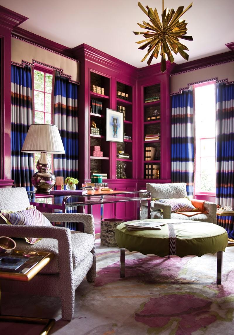 Багет и мебель выкрашены в одинаковый вишневый цвет