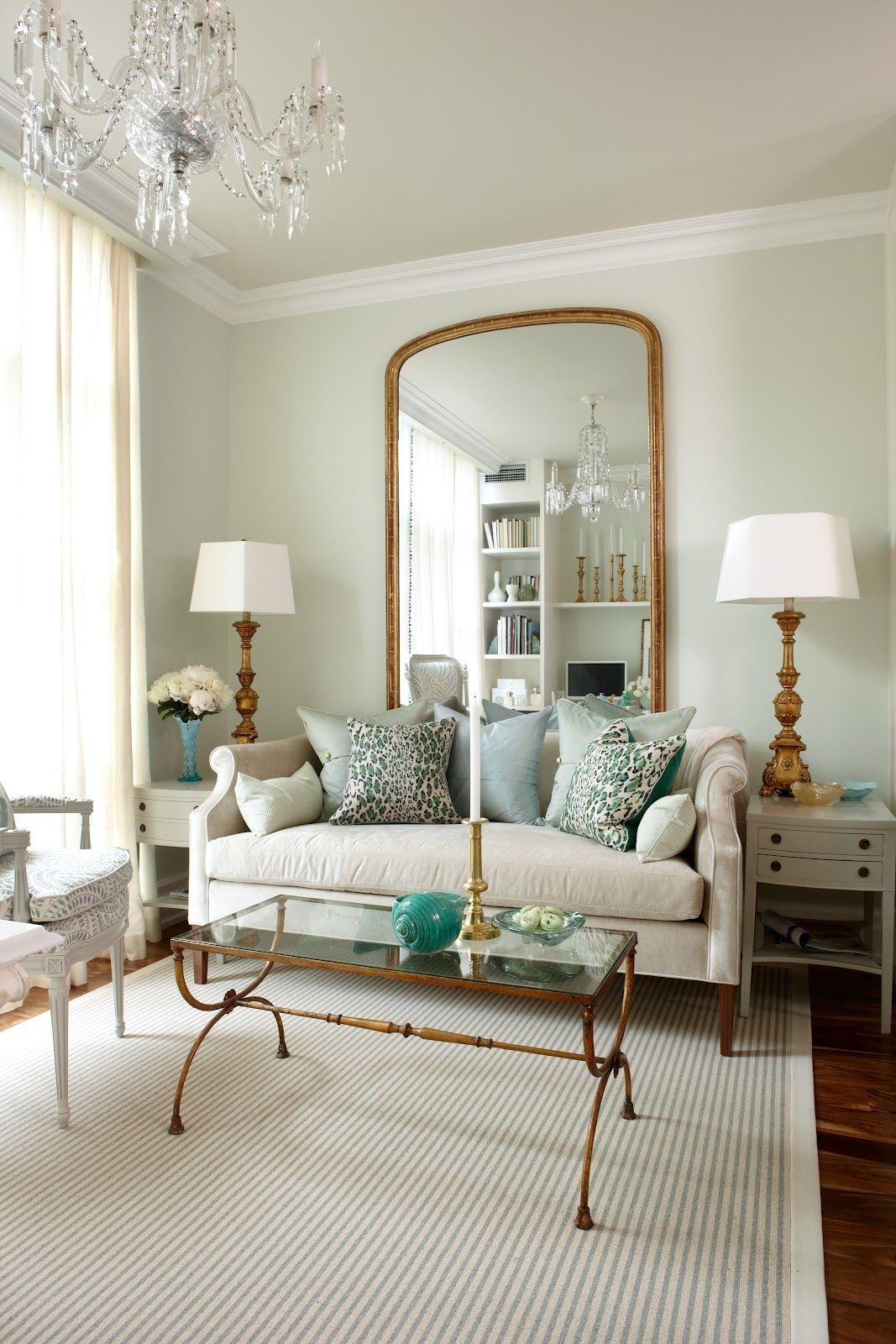 Потолочный плинтус - декоративное украшение комнаты