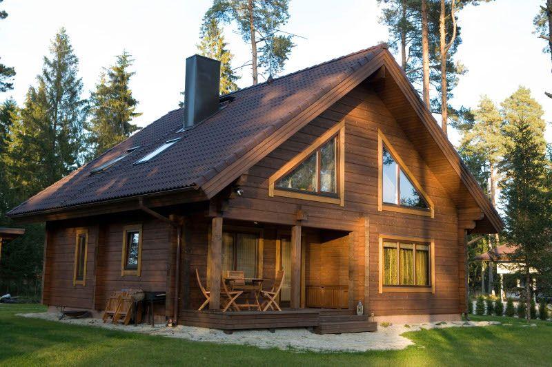 Благодаря различным положительным качествам строительных материалов, финский дом не только достаточно быстро возводится, но и долго, а главное полноценно может эксплуатироваться