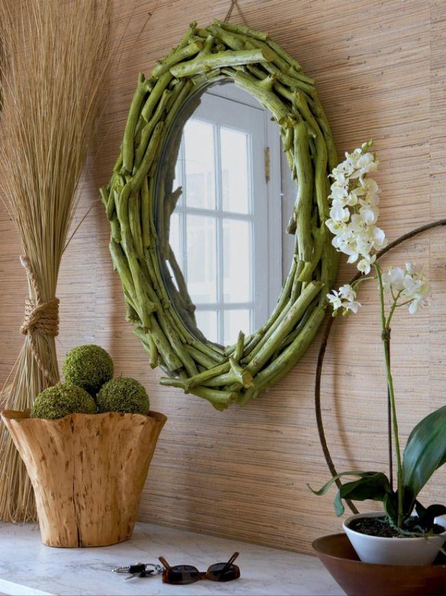 Прекрасная идея для интерьера в эко-стиле - рама из веточек растений