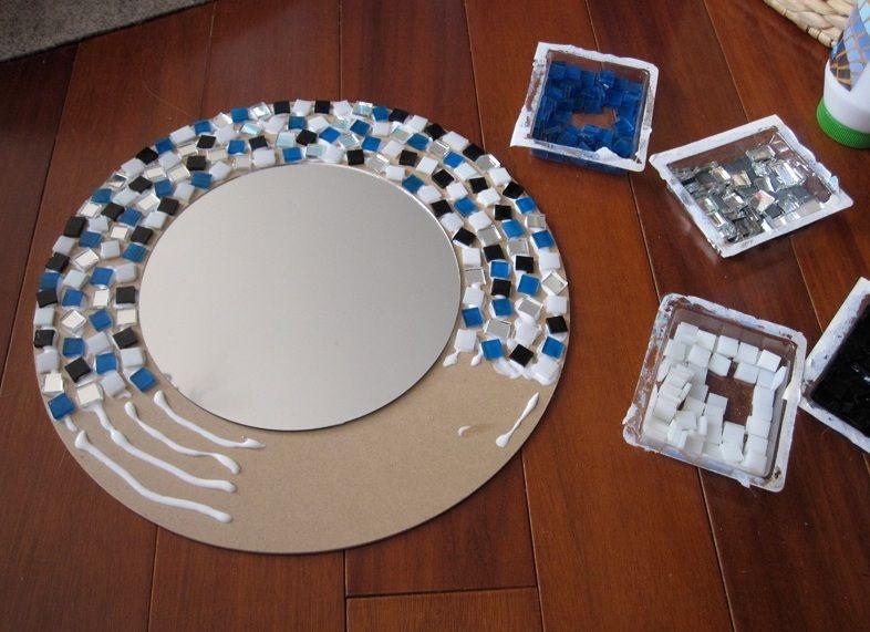 Процесс изготовления мозаичной рамы для зеркала