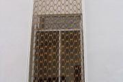 Фото 30 Кованые решетки на окна (65 фото): безопасность и декор в едином решении