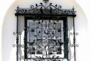 Фото 8 Кованые решетки на окна (65 фото): безопасность и декор в едином решении