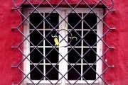 Фото 1 Кованые решетки на окна (65 фото): безопасность и декор в едином решении