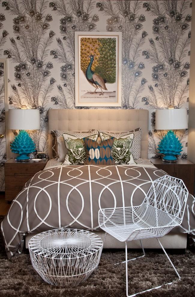 У серого цвета имеется огромное множество оттенков, поэтому серые обои с фактурным рисунком станут отличным решением для отделки стен
