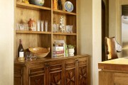 Фото 12 Шкафы для кухни (55 фото): функциональные, вместительные, стильные