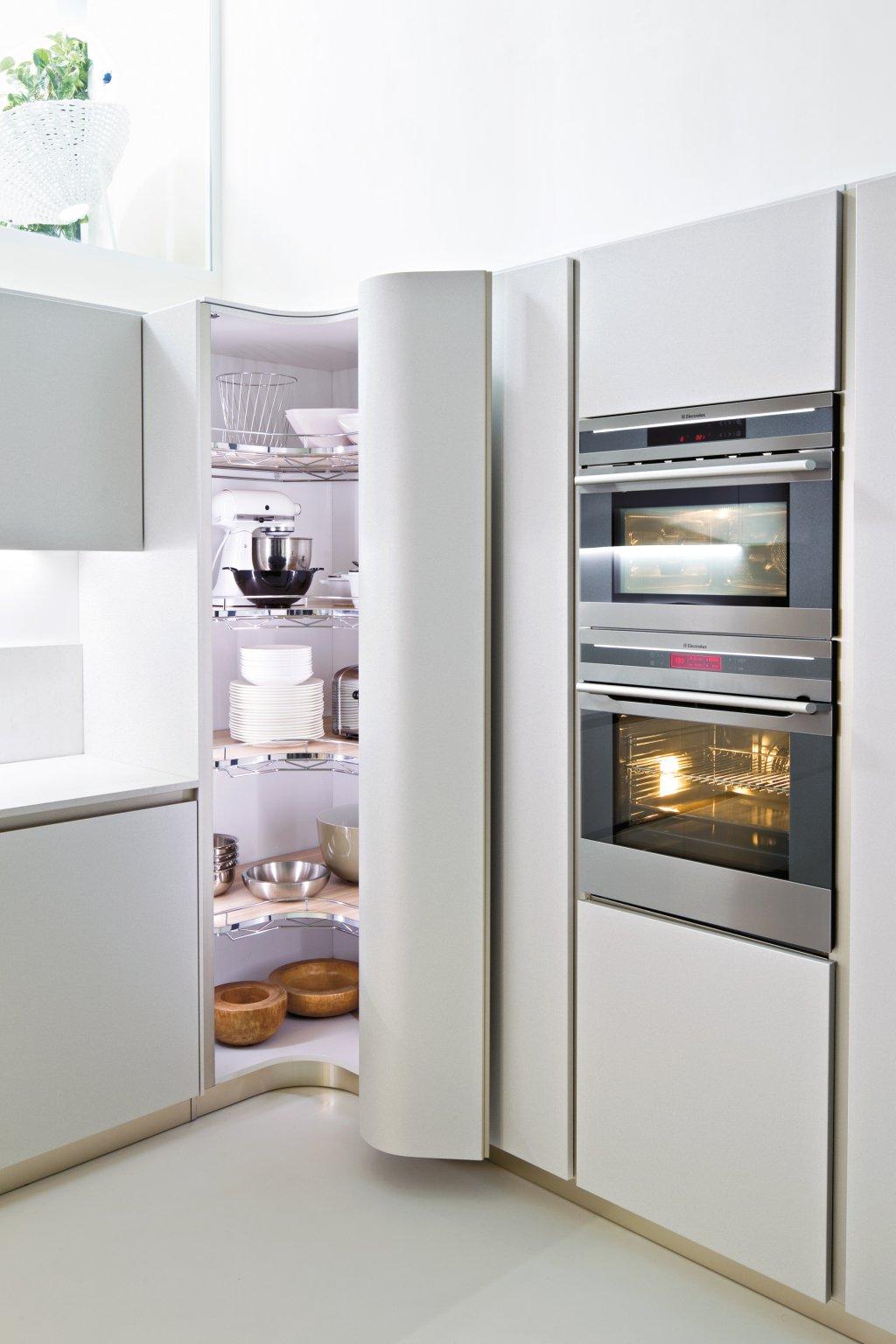 Современные модели помогут создать кухонный интерьер с плавными и аккуратными линиями