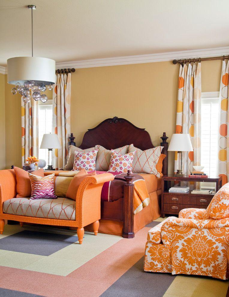 Комфортабельный диванчик в спальне