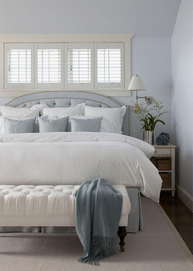 Красивая банкетка украсит любую спальню