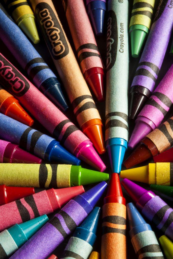 Разноцветные восковые карандаши