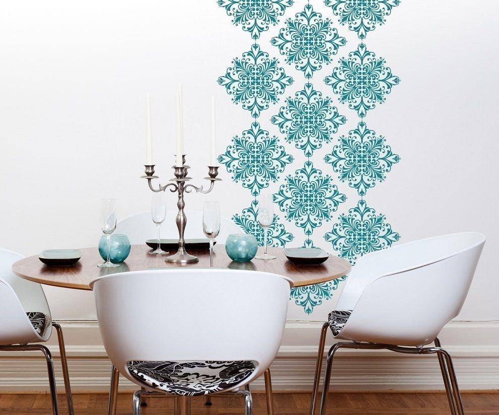 С помощью трафарета можно создать в квартире оригинальный декор
