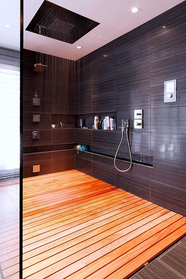 Цвет венге в интерьере ванной комнаты ассоциативно отправляет хозяев в тропические леса Африки