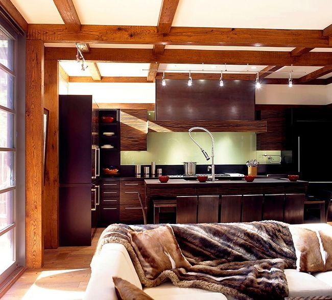 Кухня с мебелью цвета венге имеет приятную наружность, от неё так и веет какой-то новизной, современностью