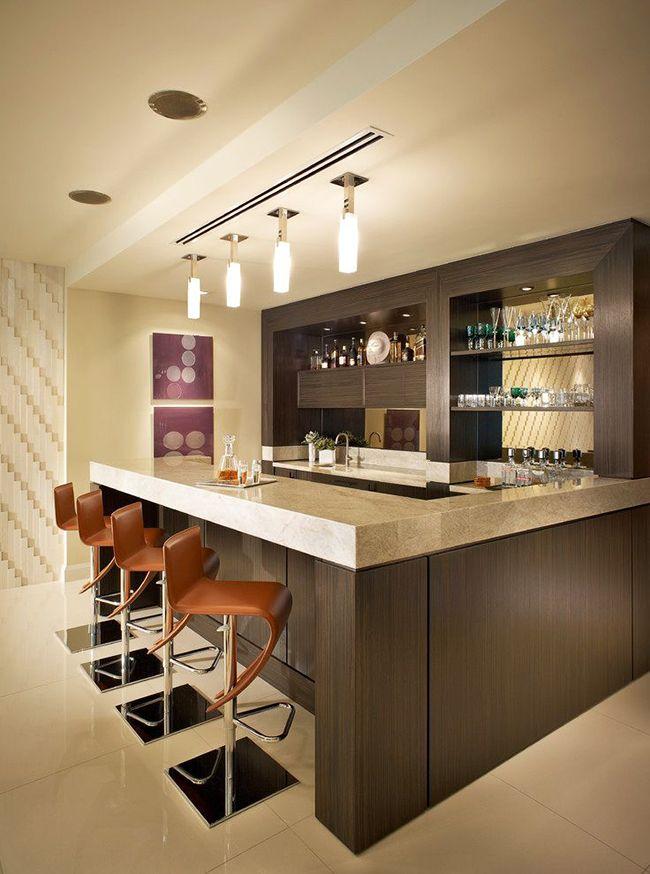 Привычные вечеринки можно превратить в благородные вечера, обставив домашний бар мебелью цвета венге