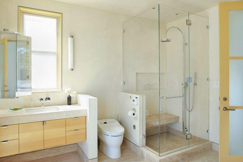 Унитаз-биде, гармонично вписанный в пространство ванной комнаты