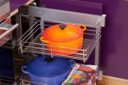 Фото 2 Выдвижные корзины для кухни (45 фото): оптимизация рабочего пространства