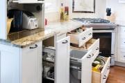 Фото 1 Выдвижные корзины для кухни (45 фото): оптимизация рабочего пространства