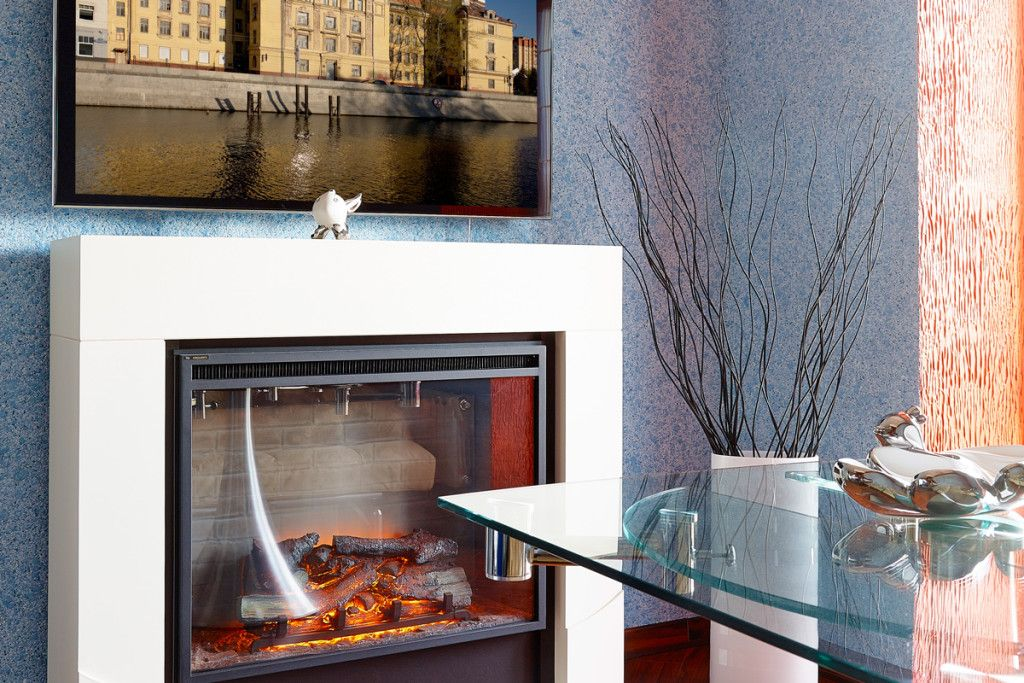 Жидкие обои приятного небесного цвета создадут в вашей гостиной атмосферу легкости и комфорта
