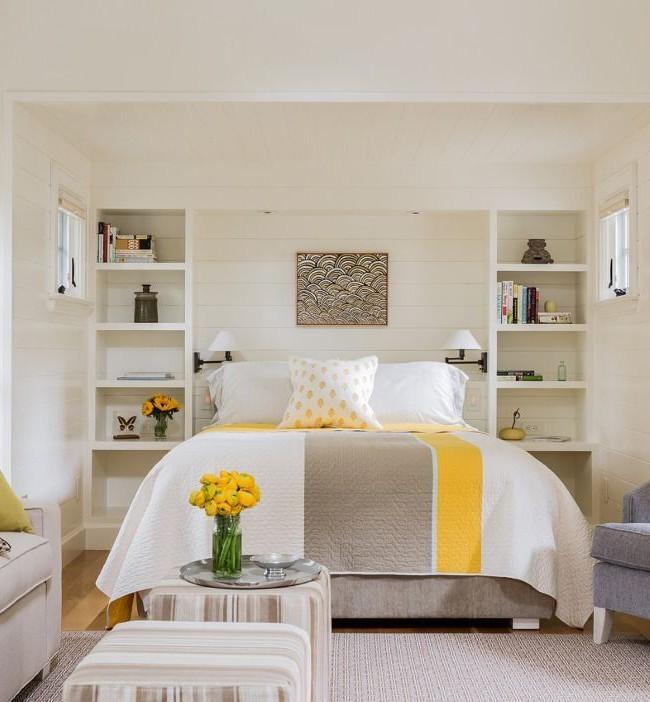 Интересное цветовое сочетание текстильных изделий в спальне