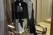 Фото 25 Напольная вешалка для одежды (47 фото): все для любимых вещей