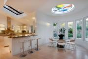 Фото 23 Стеклянные столы для кухни (59 фото): изящная хрупкость с сильным характером