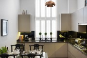 Фото 26 Стеклянные столы для кухни (59 фото): изящная хрупкость с сильным характером