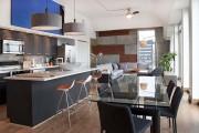 Фото 6 Стеклянные столы для кухни (59 фото): изящная хрупкость с сильным характером