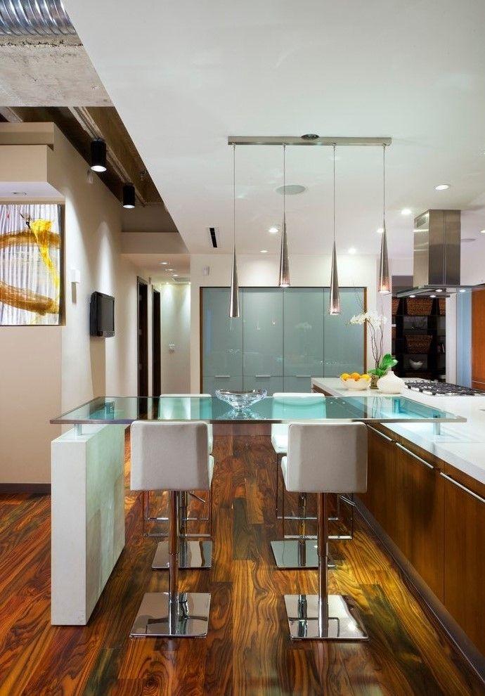 Стеклянный стол - барная стойка - это еще одно интересное решение для Вашего интерьера