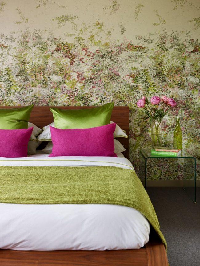 Обои в стиле импрессионизма, обобщенно изображающие садовые цветы