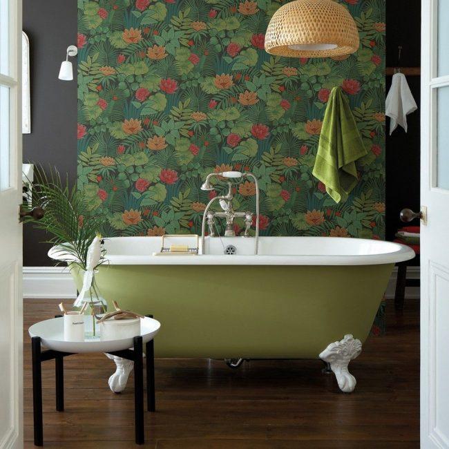 Ванная комната в стиле ретро с тематическими интерьерными элементами