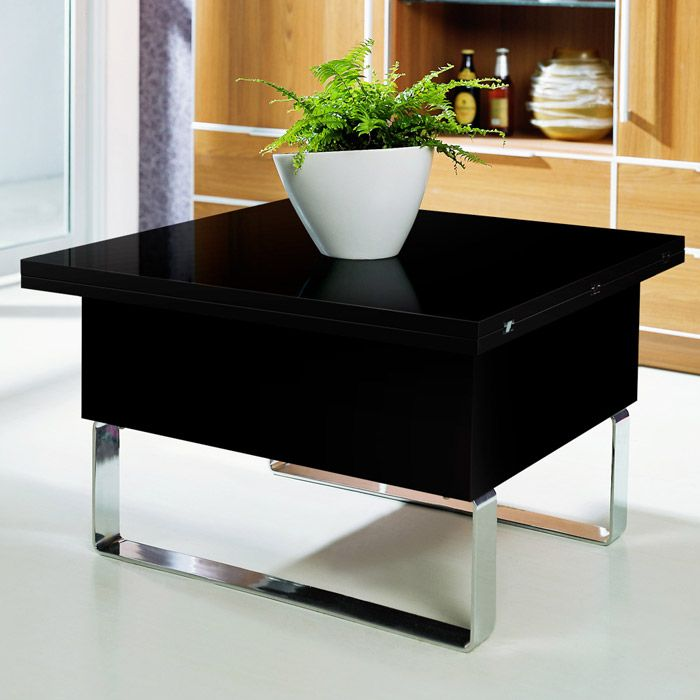 В сложенном состоянии стол-трансформер занимает мало места
