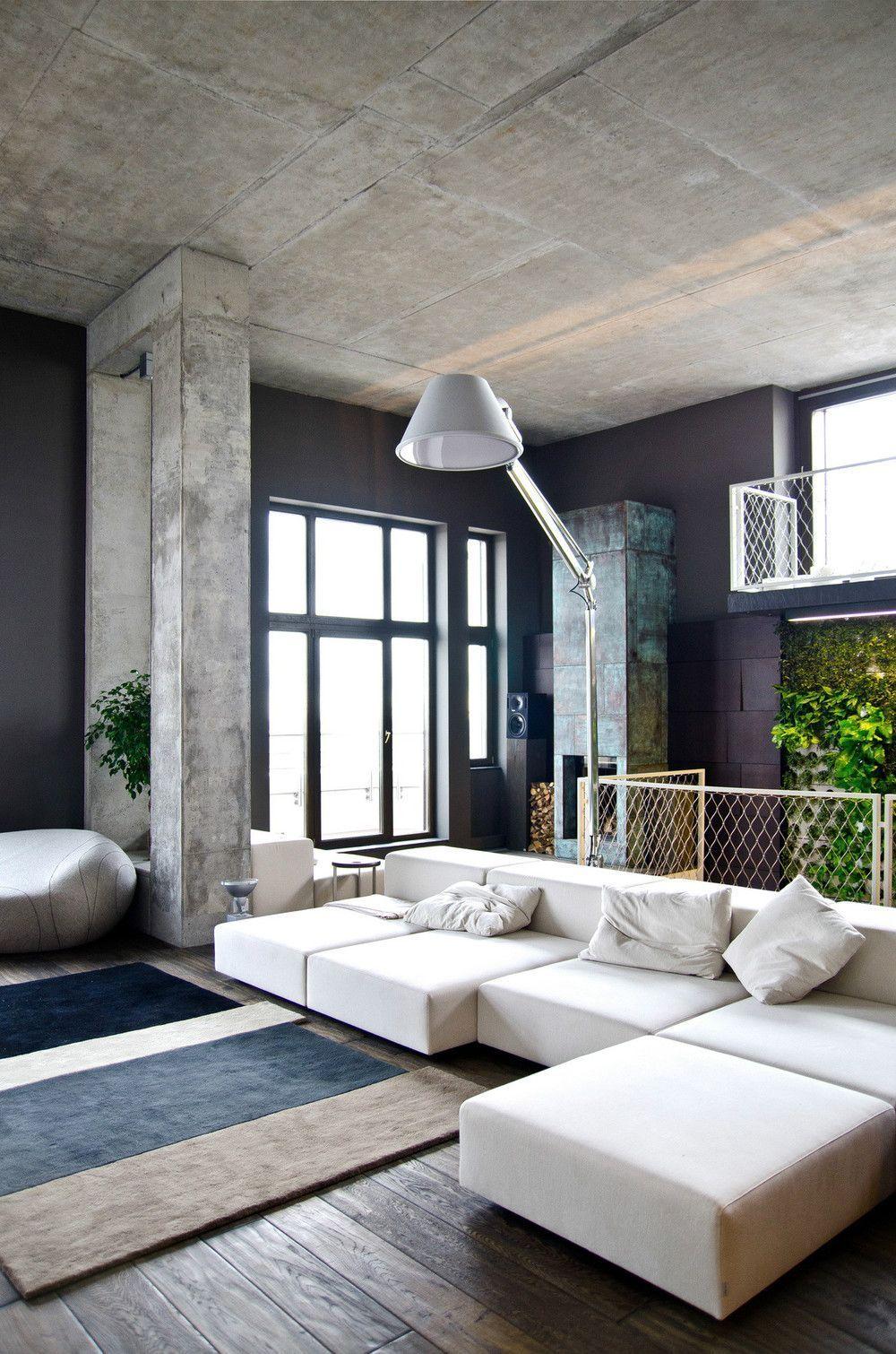 Бетонный потолок и темно-синие стены
