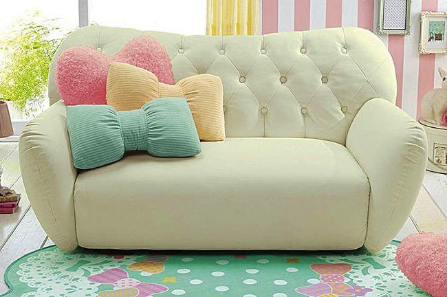 Мягкие подушки на диван
