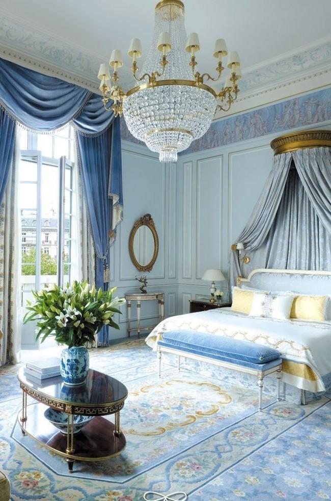 Спальня, оформленная в классическом стиле