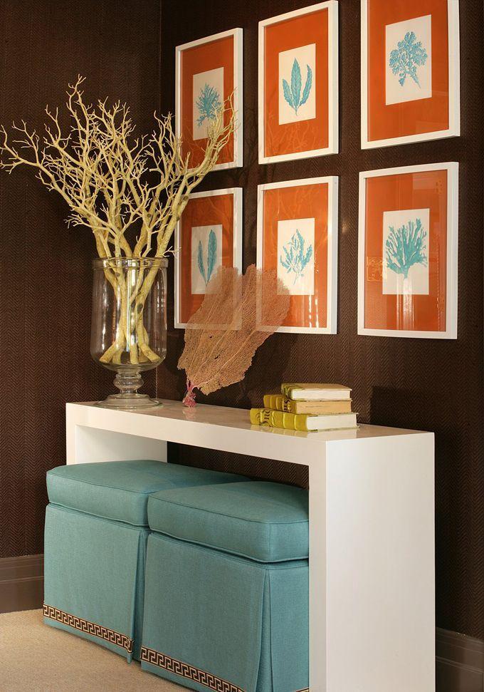 Пуфы - приятное и практичное дополнение для прихожей в малогабаритной квартире
