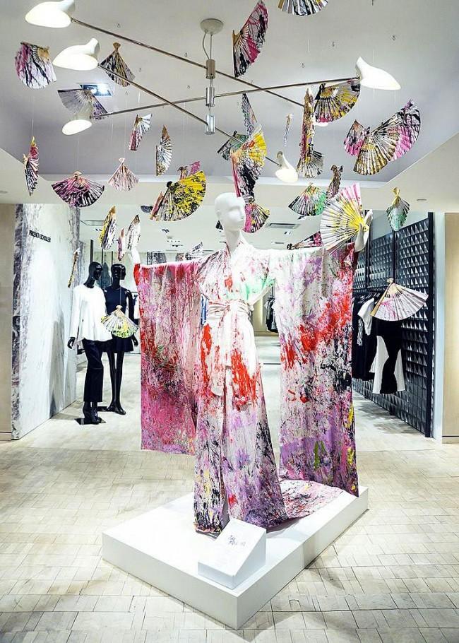 Декоративная композиция магазина одежды в японском стиле