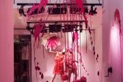 Фото 24 Дизайн магазина женской одежды (82 фото): как создать стильный интерьер