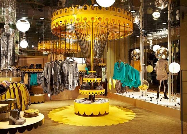 Обычный магазин можно превратить в красочный карнавал с каруселями