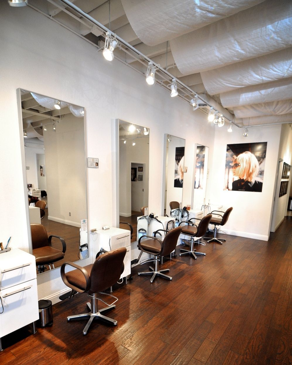 hair salon 4ps Gatsby hair & beauty is situated in the heart of watford, near watford junction gatsby is a family feel happy salon that welcomes all ladies, gents & children.