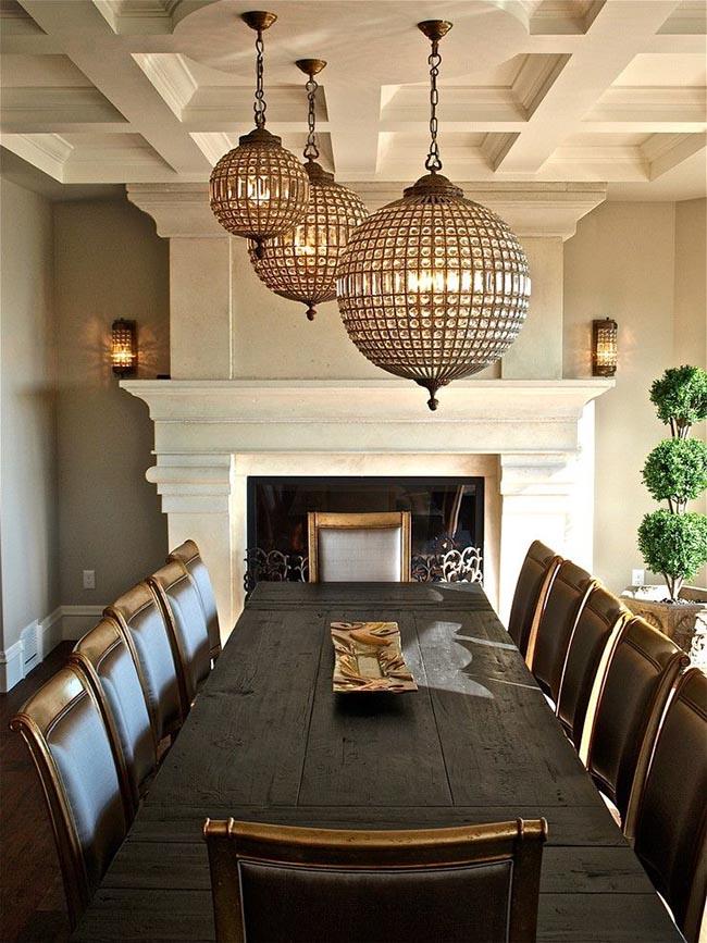 Стильные итальянские светильники и люстры подчеркнут неповторимый и изысканный вкус хозяина дома