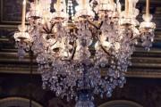 Фото 1 Хрустальные люстры (50 фото): удивительная красота из глубины веков