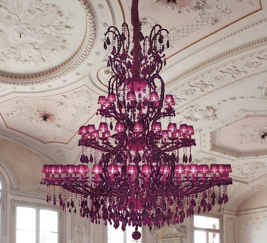 Роскошная люстра из хрусталя цвета фуксии от итальянских мастеров