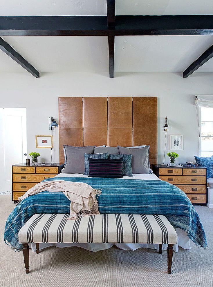 Кровать с высоким кожаным изголовьем
