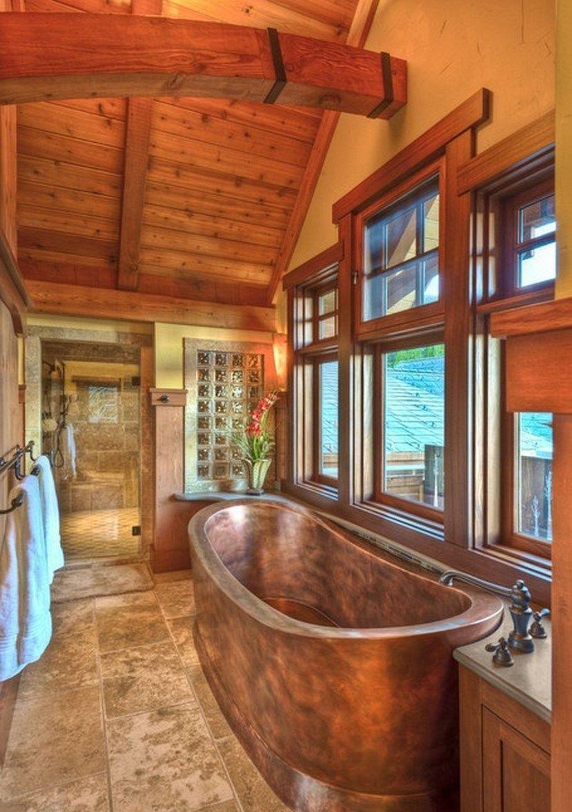 Деревянные окна в ванной комнате деревянного дома