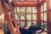 Фото 3 Окна в деревянных домах (43 фото): особенности выбора и установки