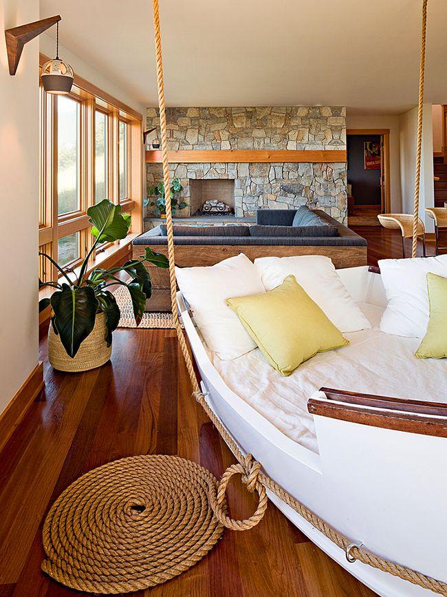 Подвесная кровать-корабль – это мечта маленького пирата