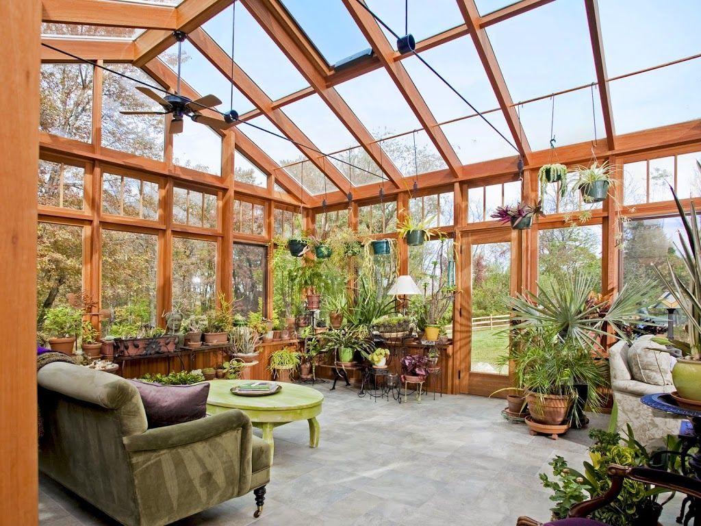 Вентиляция зимнего сада осуществляется потолочным вентилчтором